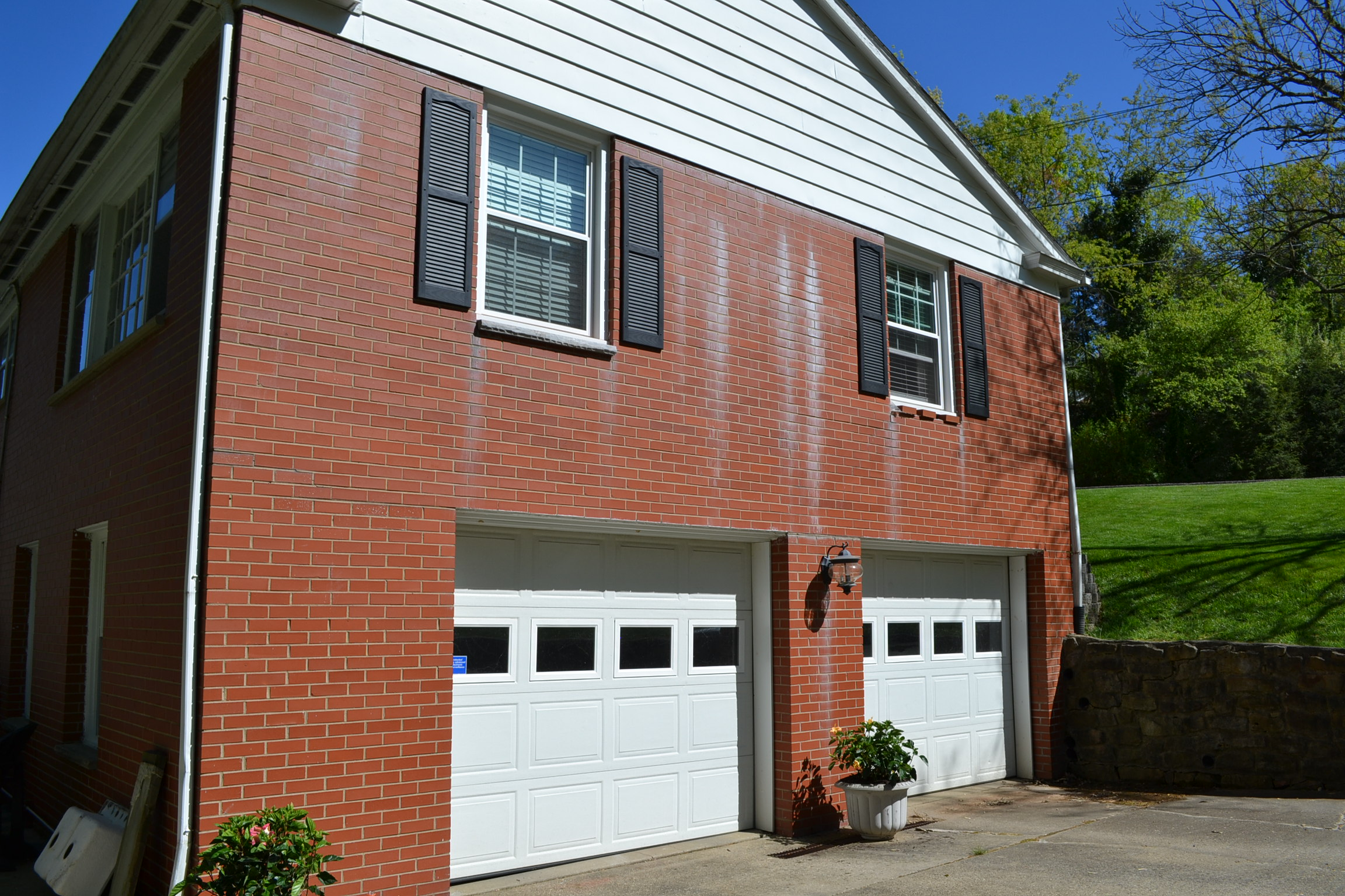 Shutter bugs for Brick houses without shutters