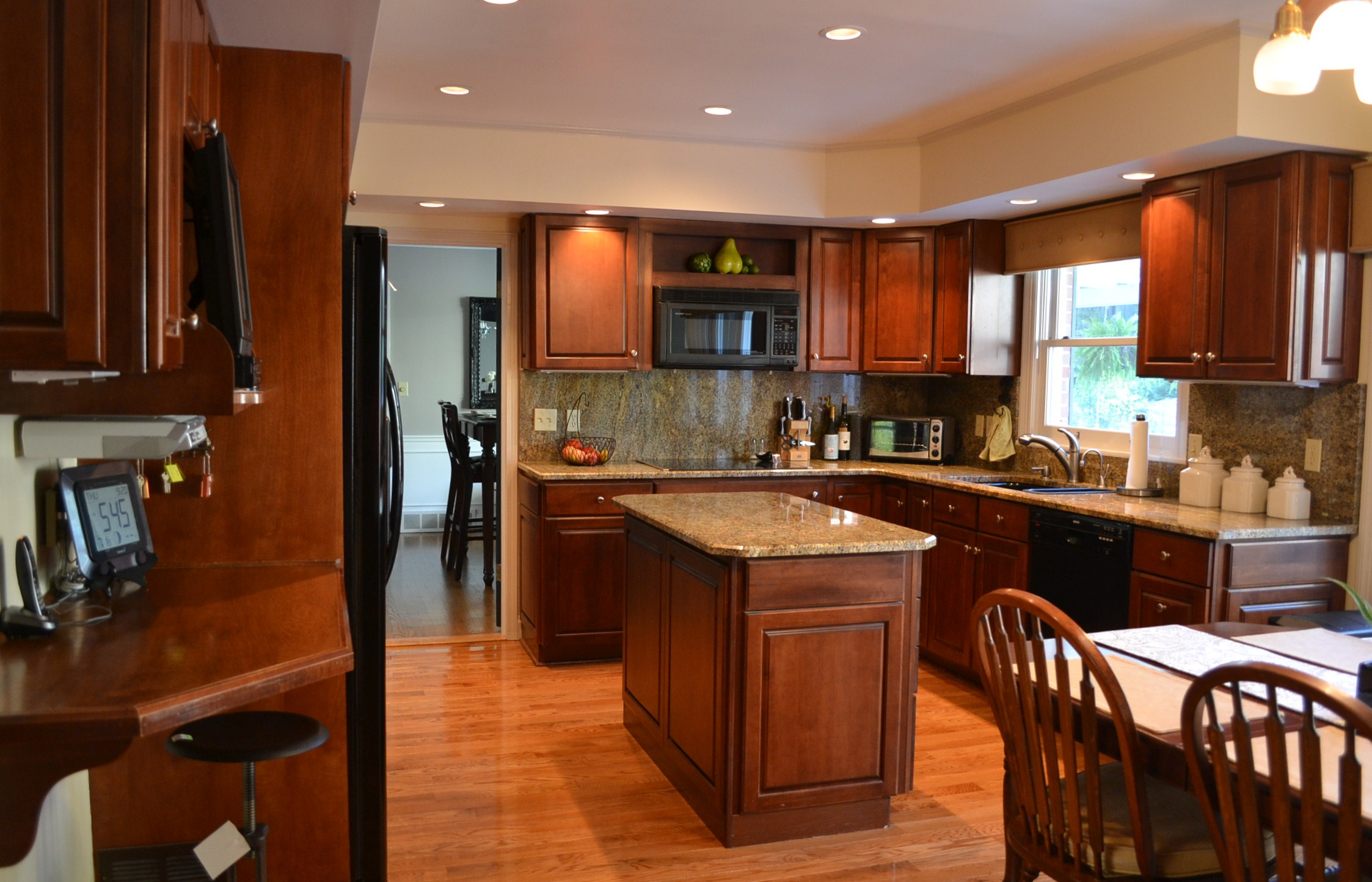 10 day kitchen makeover part i for Royal mahogany kitchen designs